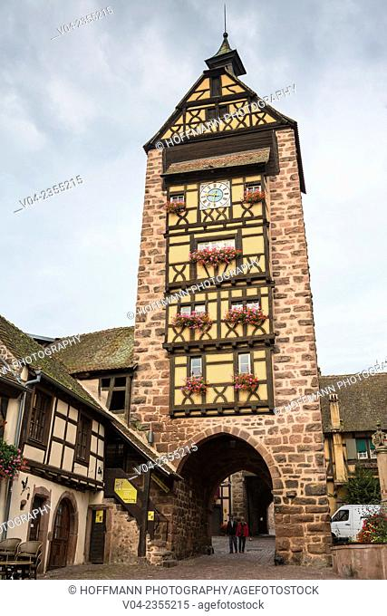 The medieval gate tower Dolder Tower in the village of Riquewihr, Alsace, France, Europe