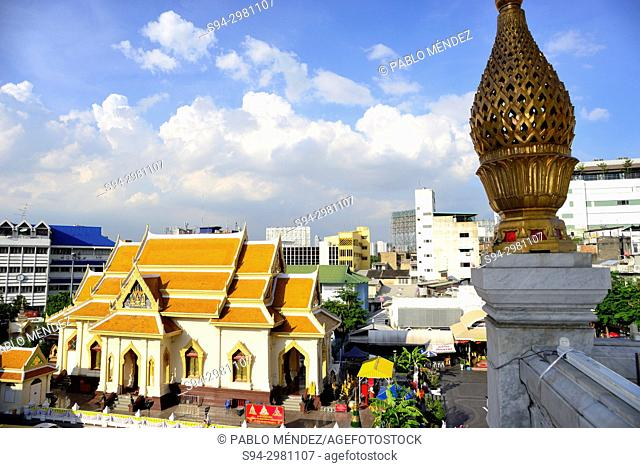 Temple in Wat Traimit area, Bangkok, Thailand