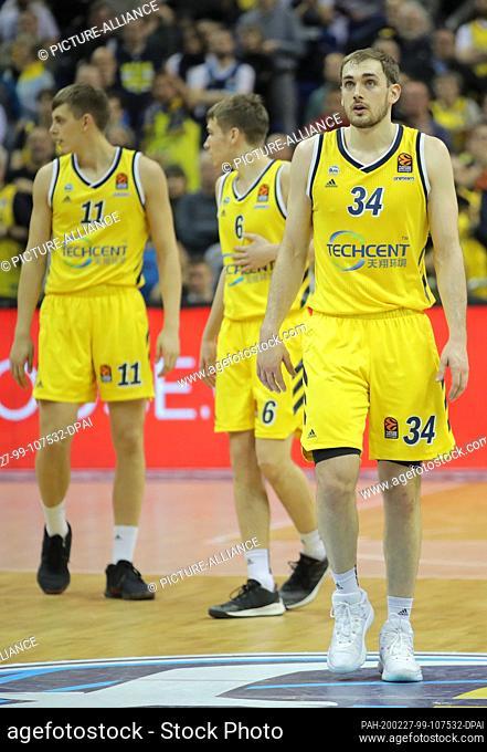 27 February 2020, Berlin: Basketball: Euroleague, Alba Berlin - Anadolu Efes Istanbul, main round, 26th matchday, Mercedes-Benz Arena