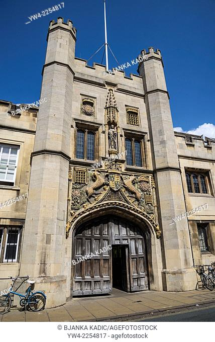 Christ's College, The Great Gate, Cambridge, England, UK