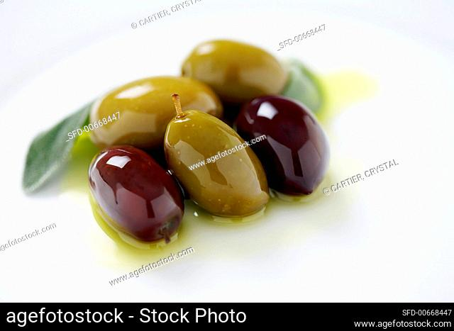 Green and Kalamata Olives in Olive Oil