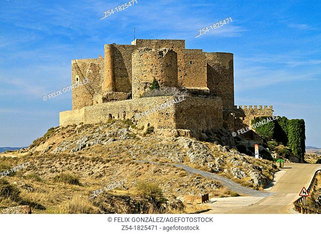Windmills and castle, Consuegra, Toledo, Castile La Mancha, Spain