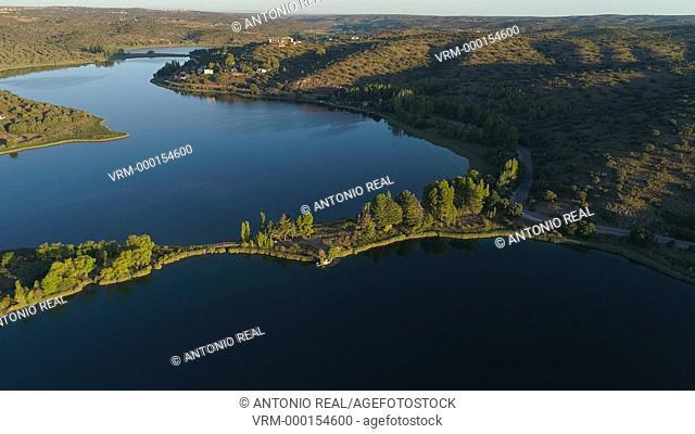 Vista con dron Parque Natural Lagunas de Ruidera. Ciudad Real