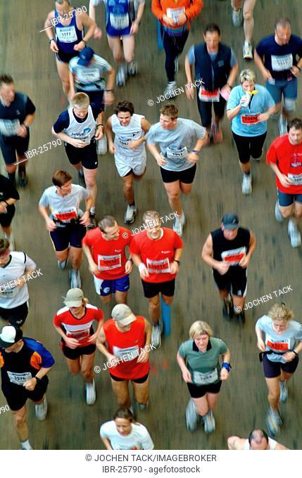 DEU, Federal Republic of Germany, Bochum: Runner at the Ruhrmarathon