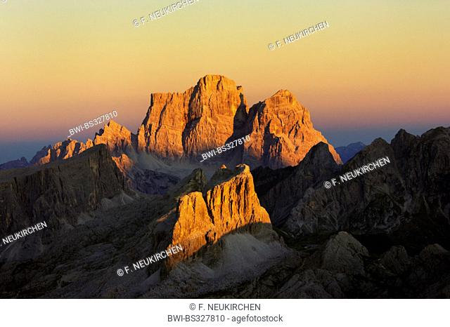view from Kleiner Lagazuoi to Monte Pelmo and Averau at sunset, Italy, Dolomites