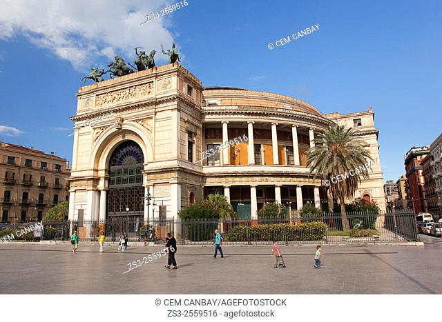 Tourists in front of the Teatro Politeama, Palermo, Sicily, Italy, Europe