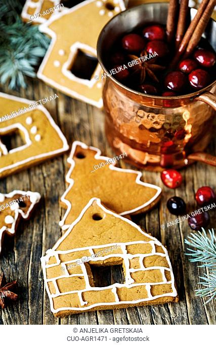 Gingerbreads and Winter hot tea with cranberry and spices