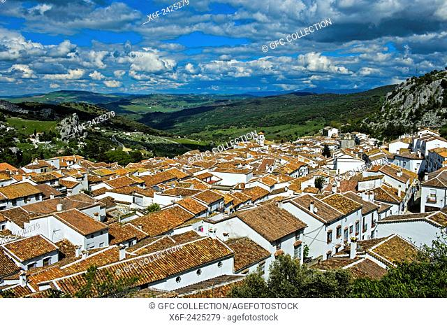 Grazalema, the White Village or Pueblo Blanco, in the Sierra de Grazalema, Cádiz province, Andalusia, Spain