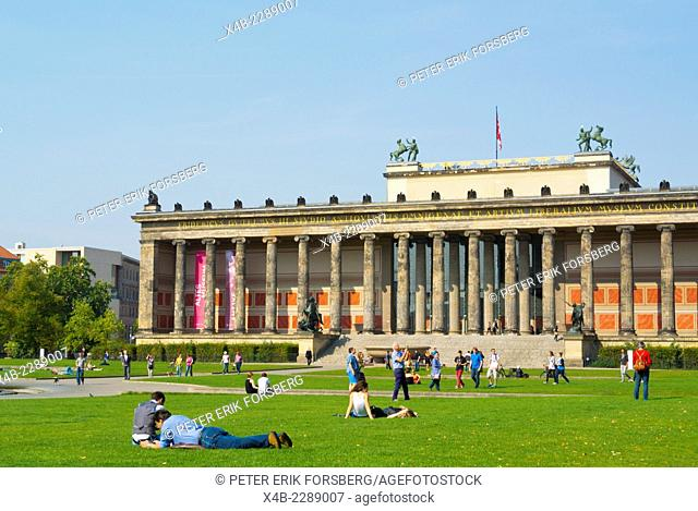 Lustgarten park, in front of Altes Museum, Museumsinsel, the museum island, Mitte district, central Berlin, Germany