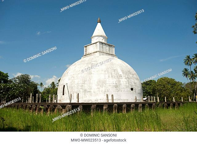 The Yatala Dagoba, in the town of Tissamaharama, in Sri Lanka, is a stupa Buddhist religious monument attributed to King Yatala Tissa It was built about 2300...