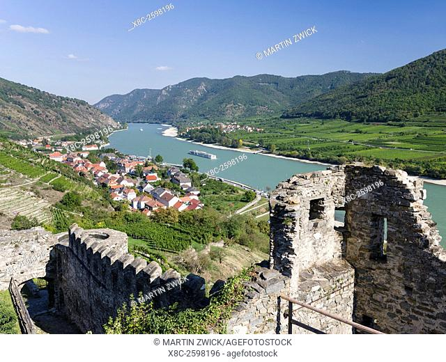 Castle ruin Hinterhaus in the village Spitz in the Wachau. The Wachau is a famous vineyard and listed as Wachau Cultural Landscape as UNESCO World Heritage