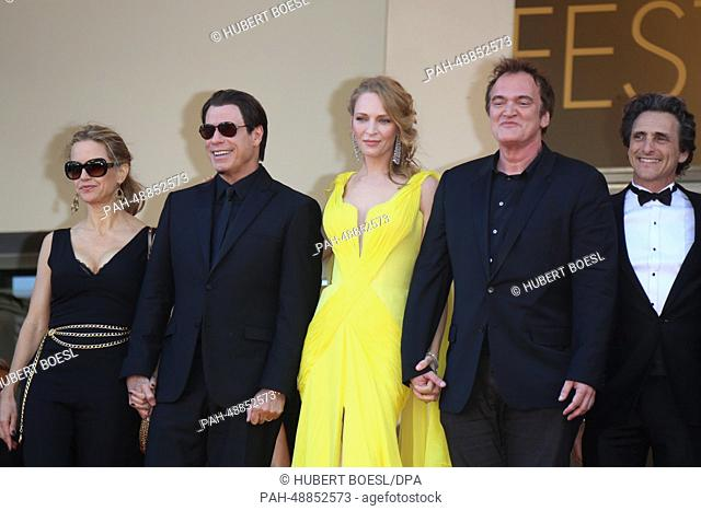 "US actors Kelly Preston (L-R), John Travolta, Uma Thurman, US director Quentin Tarantino and US producer Lawrence Bender attend the premiere of """"Sils Maria""""..."