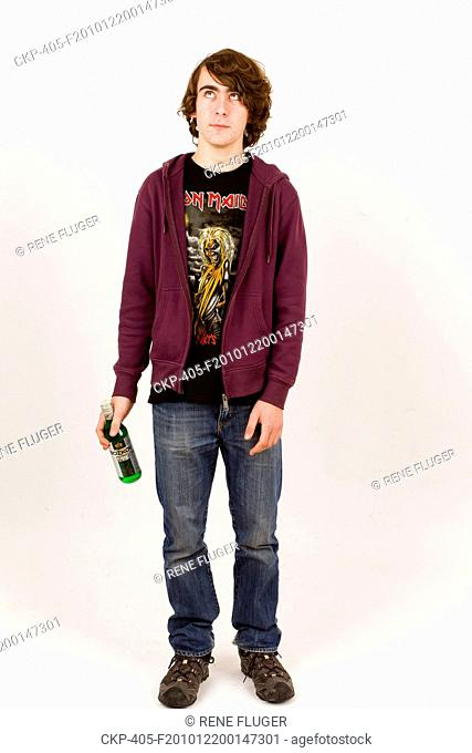 young man, boy, attractive, guy, fellow, chap, alcohol, alcohol-containing beverage CTK Photo/Rene Fluger MODEL RELEASED, MR