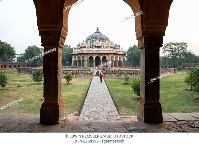 View Isa Khan Niyazi's tomb, located in New Delhi, India