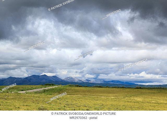 Canada, Yukon Territory, Yukon, On the Dampster Highway Judging North - pure wilderness in Canada