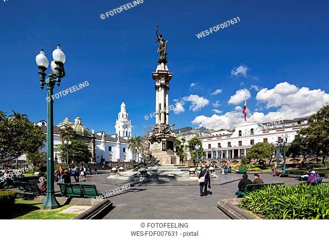 Ecuador, Quito, Independence Square with the Liberty Statue