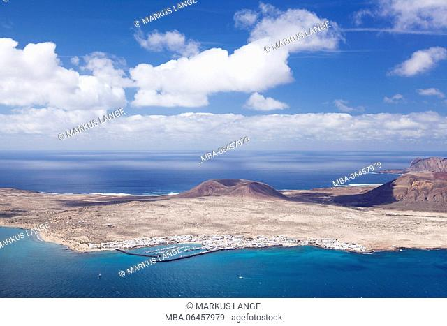 View of the Mirador del Rio to the island La Graciosa, Cesar Manrique, Lanzarote, Canary islands, Spain