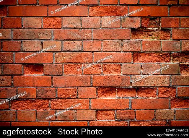 Alte Ziegelsteinmauer