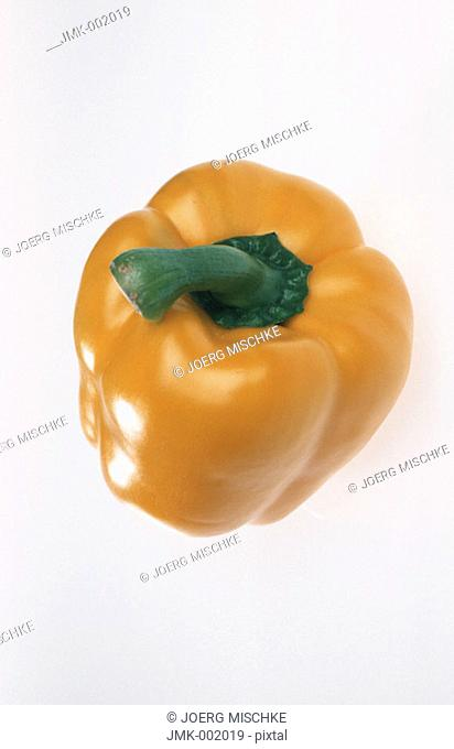 A yellow paprika