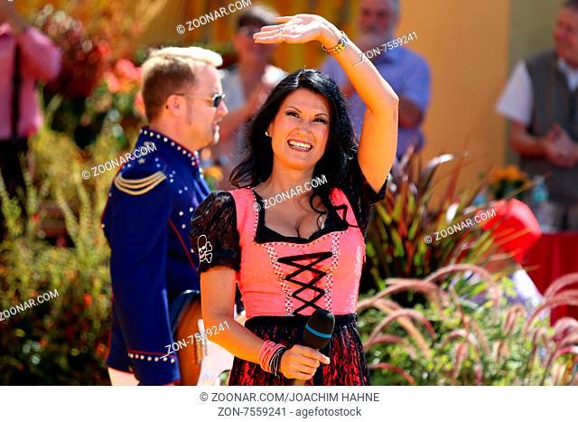 Antonia aus Tirol (Saenger / Musiker) in der ARD-TV-Sendung