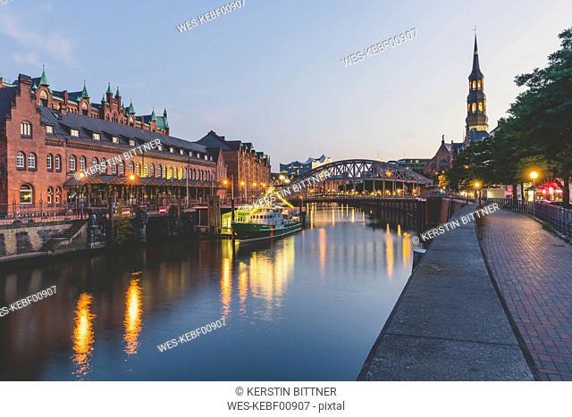 Germany, Hamburg, Zollkanal, Elbe Philharmonic Hall and