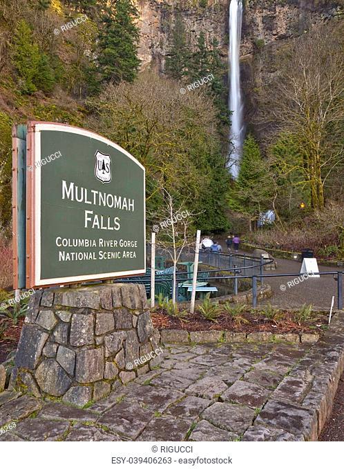 Multnomah Falls Columbia River Gorge park Oregon