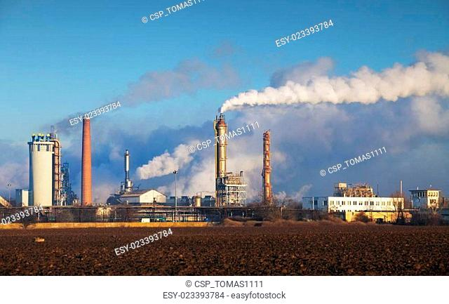 Oil refinery with vapor - petrochemical industry