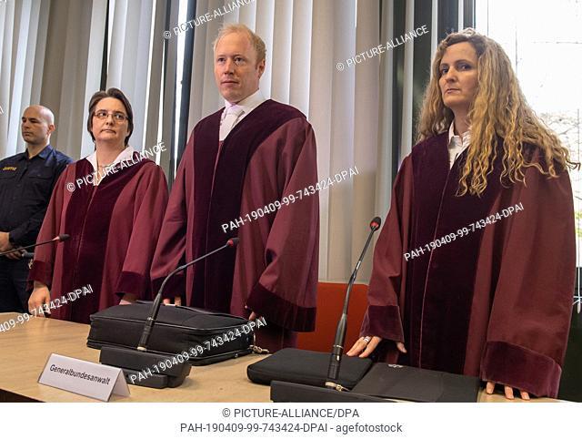 09 April 2019, Bavaria, München: Claudia Gorf (l-r), Chief Prosecutor GBH, Andre Haverkamp, Prosecutor GBH, and Anna Zabeck, Chief Prosecutor GBH