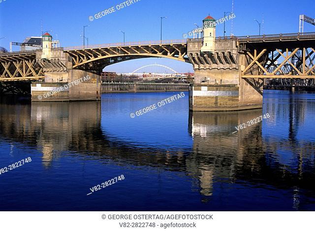 Burnside Bridge, Vera Katz Eastbank Esplanade, Portland, Oregon