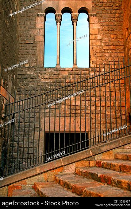 fence, stairs and windows of the Palau Reial Major, Gotic district, Plaça del Rei, Barcelona, ??Catalonia, Spain