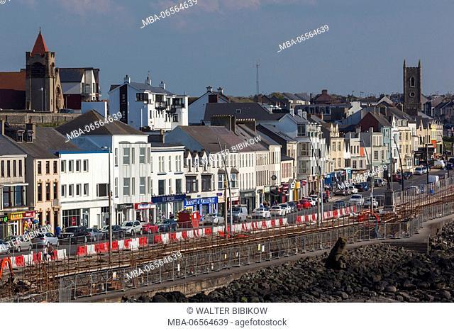 UK, Northern Ireland, County Londonderry, Portstewart, harborfront