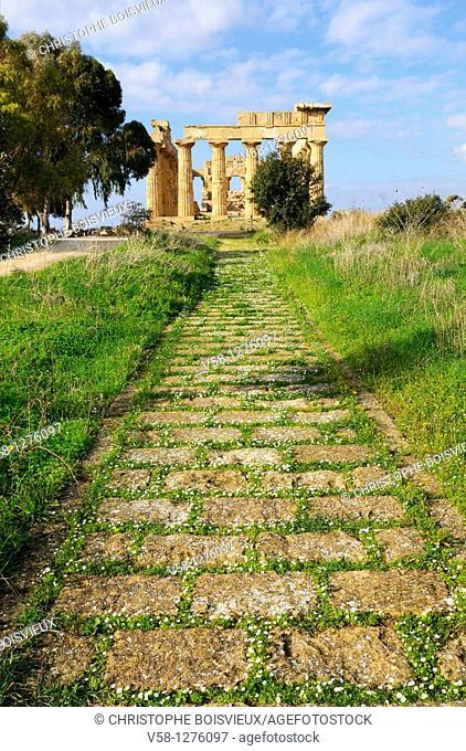 Italy, Sicily, Selinunte, Ruins of the Doric temple Temple E