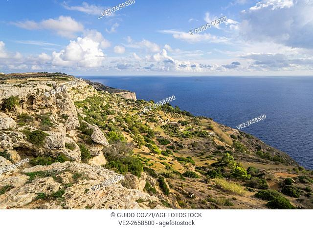 Malta. seascape along Triq Cliff