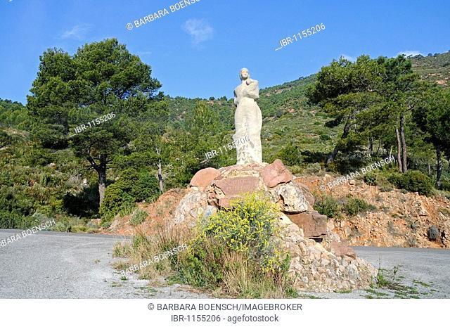 Statue, Mary, child, Desierto de las Palmas, Palm Desert, Benicasim, Benicassim, Castellon, Valencia, Spain, Europe