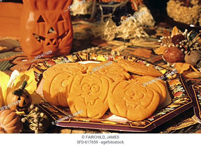 Jack O'lantern Cookies for Halloween