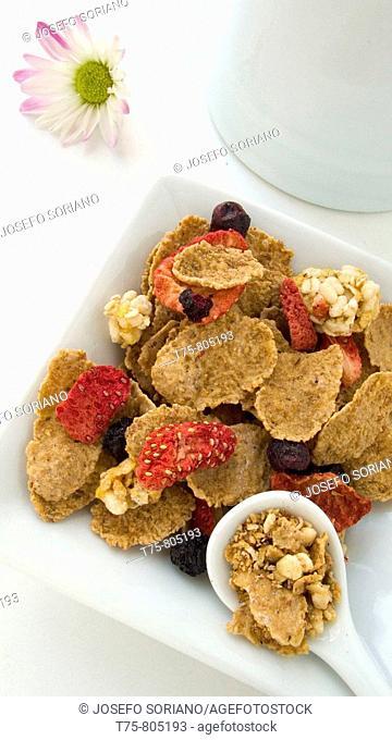 Cereals with dried fruit, strawberries, blackberries .....