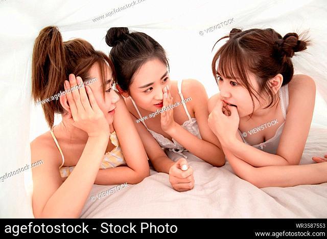 Whisper girlfriends on the quilt