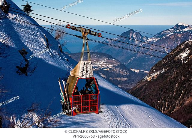 Switzerland, cableway at Chappeliberg on the Canton Uri