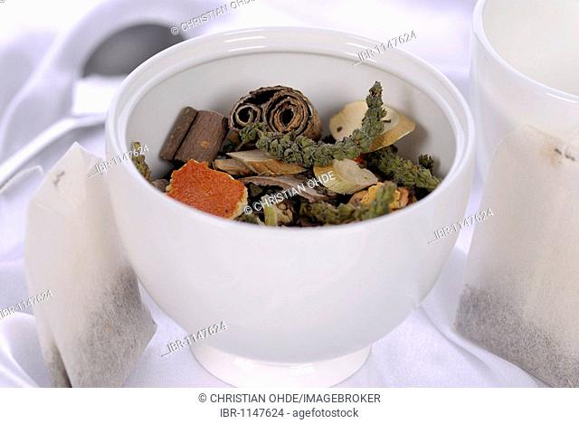 Chinese herbal medicinal tea, Traditional Chinese medicine