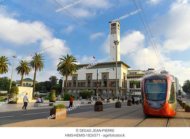 Morocco, Casablanca, Place Mohammed V, Wilaya, prefecture the building of which is built by the architecte Marius Boyer in 1928, Streetcar in the street