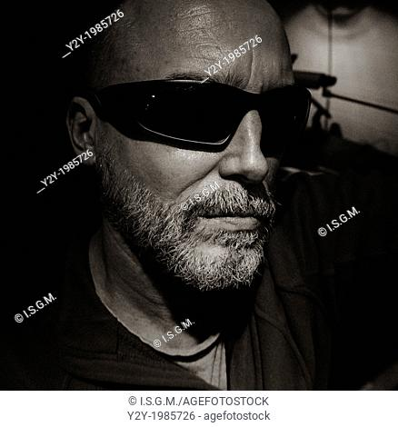 Man in his fifties with sunglasses