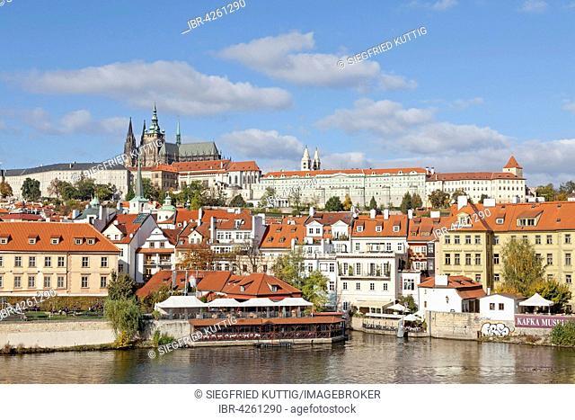 Prague Castle with historic center, Vltava River, Prague, Czech Republic