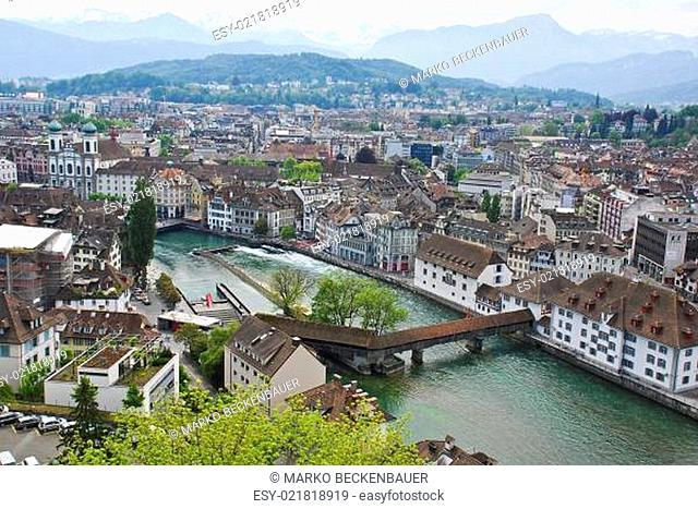 Blick auf die Spreuerbrücke in Luzern