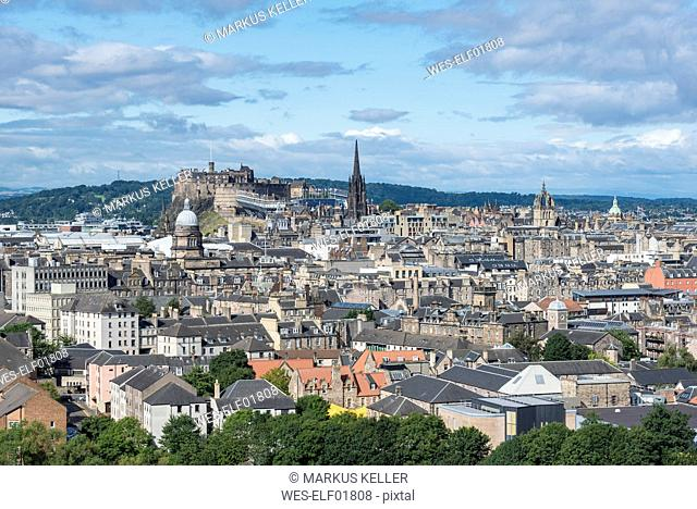 United Kingdom, Scotland, Edinburgh, Old town with Edinburgh Castle