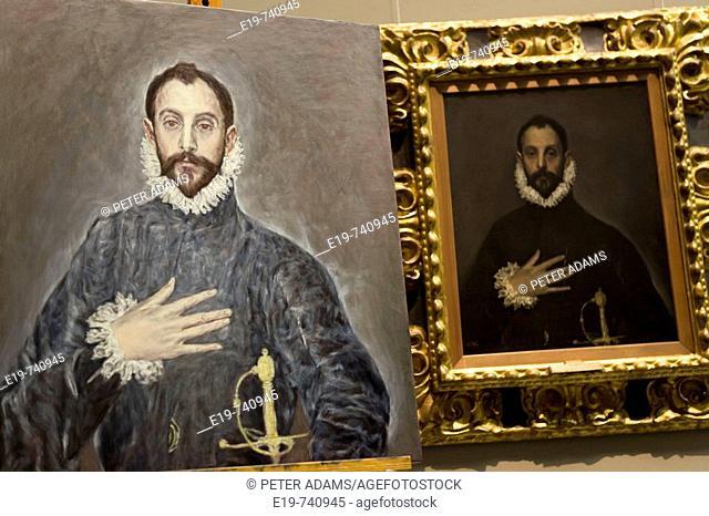 Copying The Greco's painting 'El caballero de la mano en el pecho' ('The Knight with His Hand on His Breast). Prado Museum. Madrid. Spain
