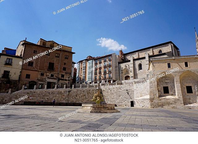 Santa Maria fountain and Square. Burgos, Castilla y Leon, Spain, Europe