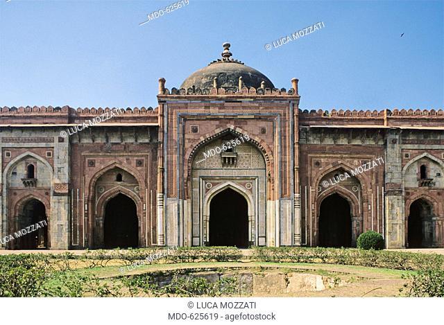 Qala i Kuhna Masjed (Mosque of Qala i Kuhna), Purana Qila, by Unknown Artist, 1541, 16th Century, . India, National Capital Territory of Dehli -NCT, Delhi