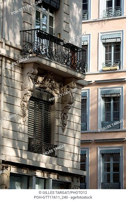 France, Lyon, 1st arrondissement, facades and windows Place Gabriel Rambaud and rue de la Martinière Photo Gilles Targat