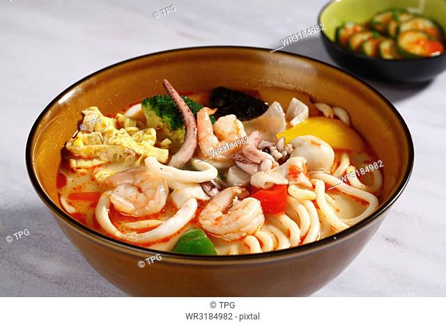 hot and sour seafood udon