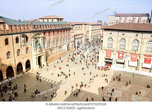 Piazza Maggiore, Bologna, Emilia Romagna, Italy